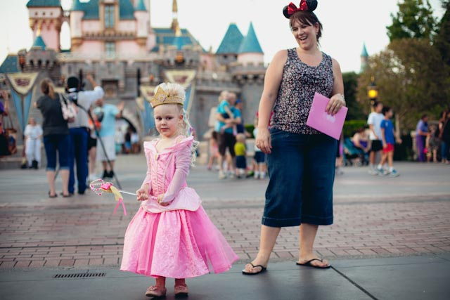 kids costumes Disneyland - the cat you and us