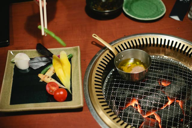Yakiniku restaurant - The cat, you and us