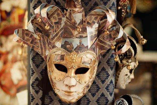 Venetian mask - The cat, you and us