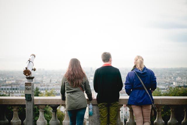Sacre coeur viewing point - The cat, you and us