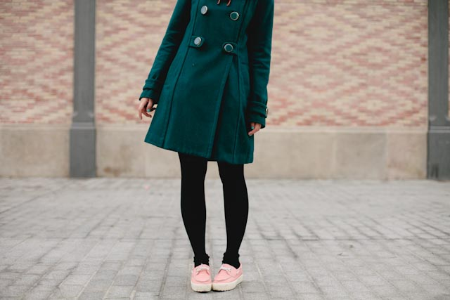 Green coat, pink shoes - The cat, you and us