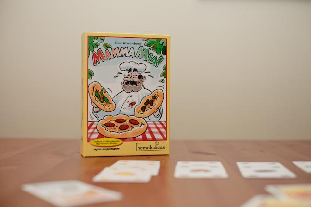 Mamma mia! Card game - The cat, you and us