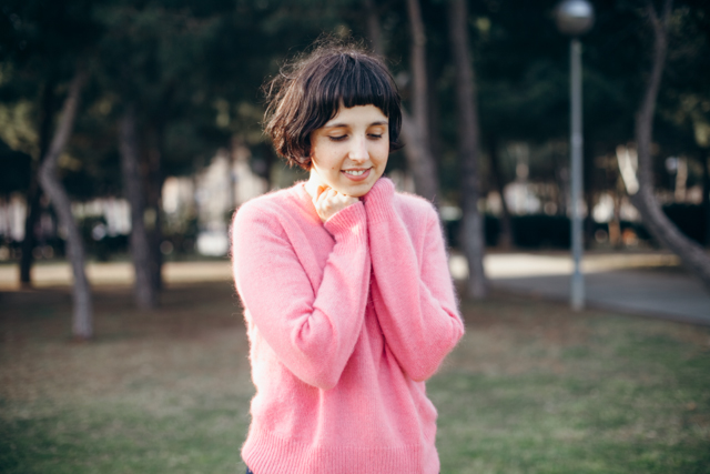 chilly spring with a pink topshop fluffy sweater - The cat, you and us