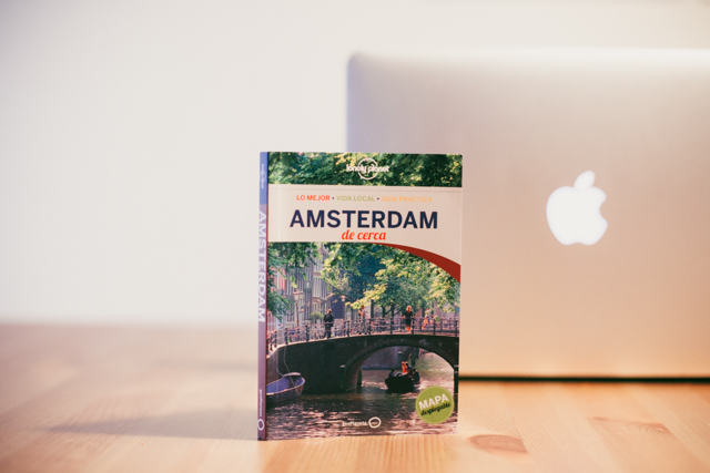 Amsterdam lonely planet -The cat, you and us