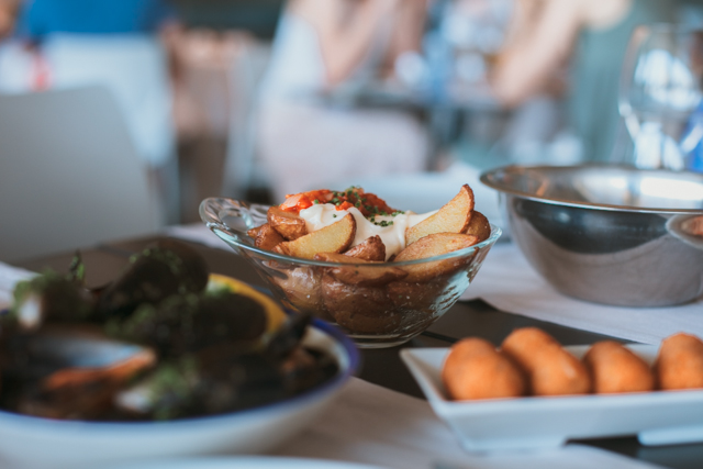 Mussels, potatoes & fish croquettes - The cat, you and us