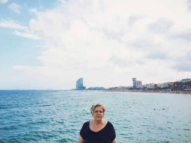 Mom and the sea - The cat, you and us