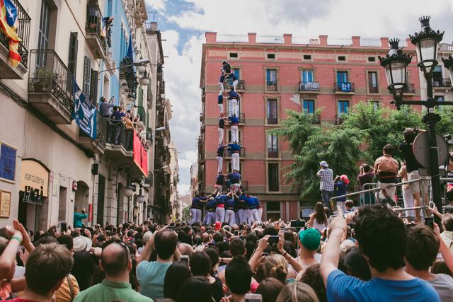 Castellers Festes de Gracia - The cat, you and us