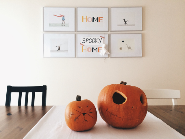 Halloween pumpkins - The cat, you and us