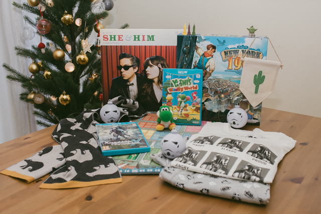 His Christmas gift Haul 2015 - The cat, you and us