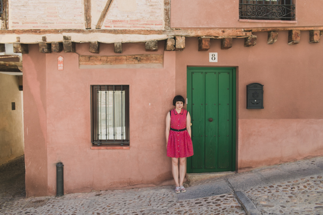 Damaris in Segovia - The cat, you and us