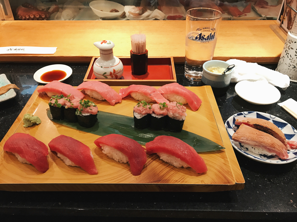 Midori sushi tuna set - The cat, you and us