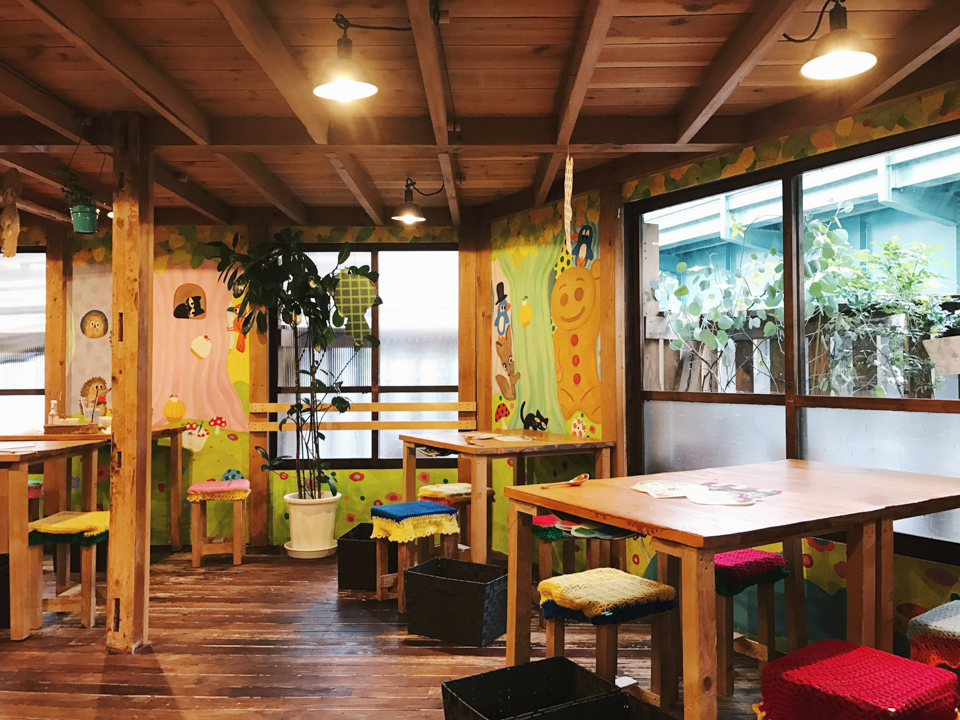 Hattifnatt café Kichijioji - The cat, you and us