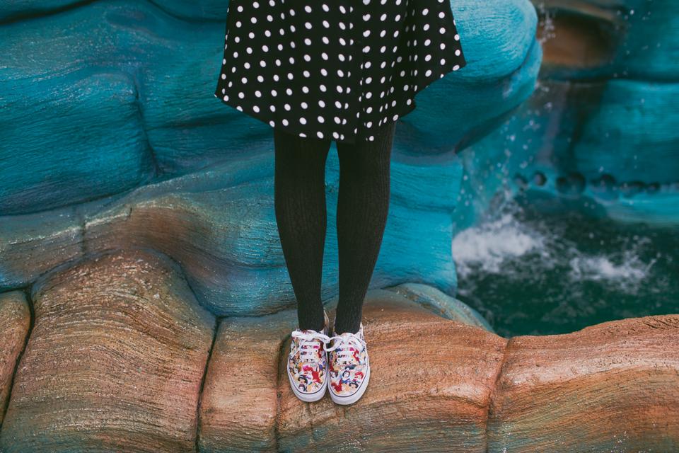 Tokyo DisneySea Mermaid Lagoon - The cat, you and us