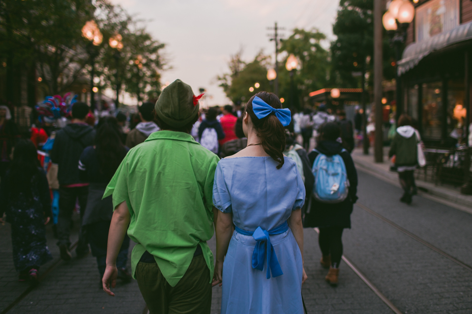 Tokyo DisneySea Peter Pan and Wendy costumes - The cat, you and us