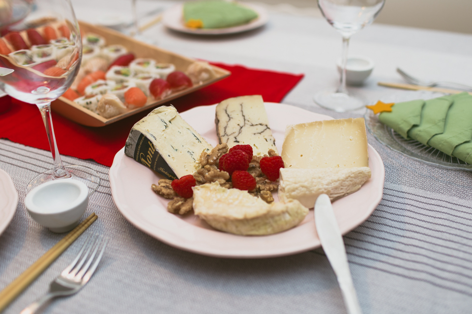 Christmas eve cheese plate - The cat, you and us