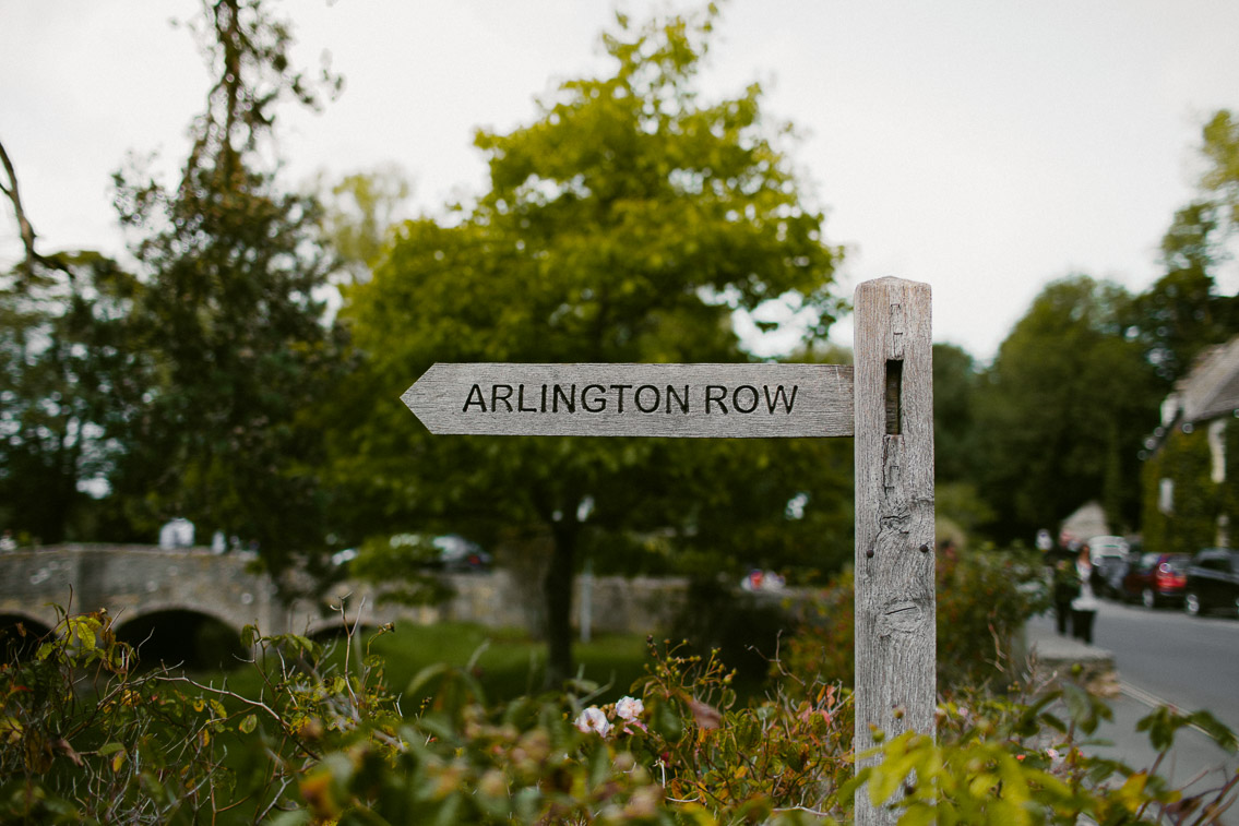 Arlington row Bibury - The cat, you and us