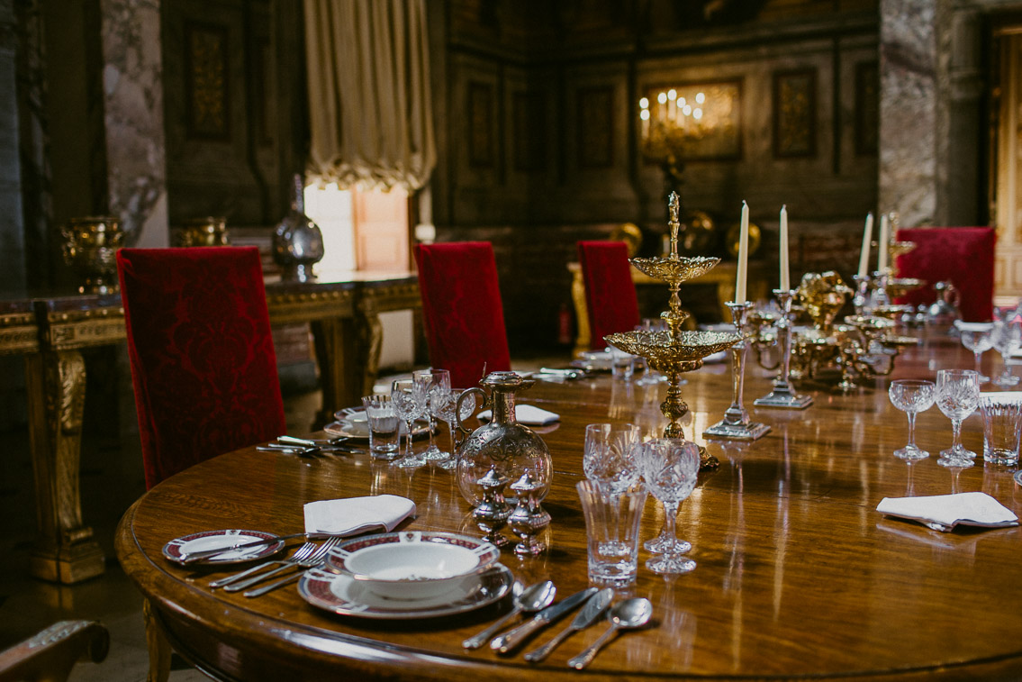 Blenheim palace rooms - The cat, you and us