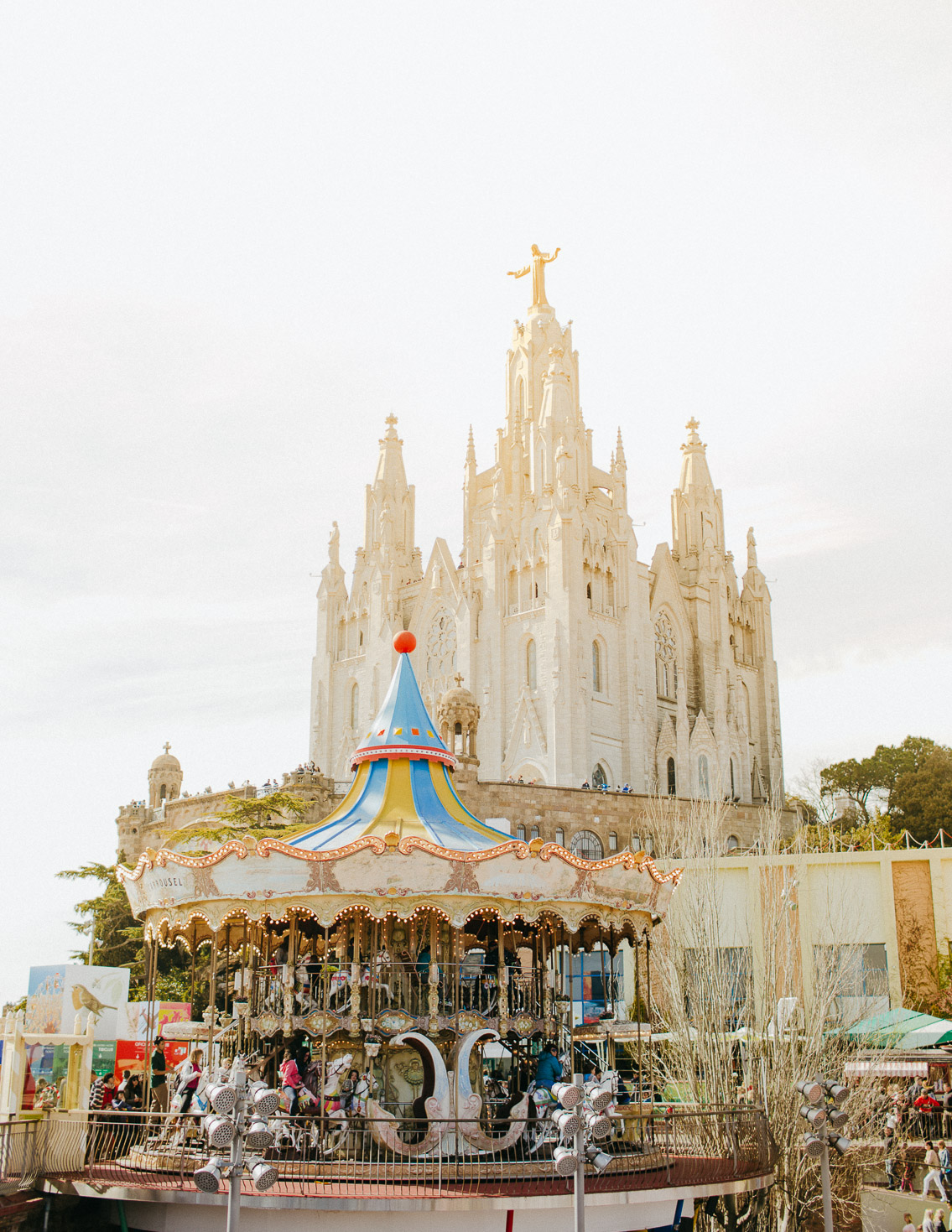 Tibidabo - The cat, you and us