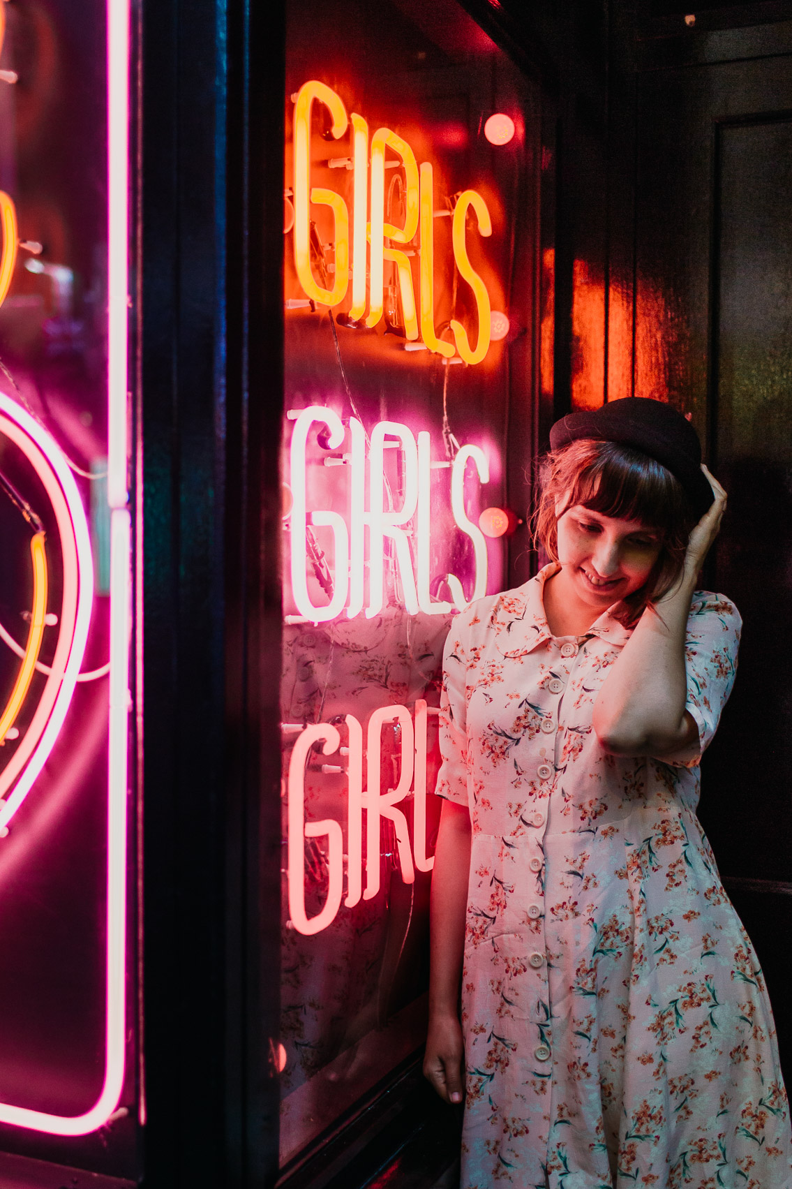 London neon lights Girls - The cat, you and us