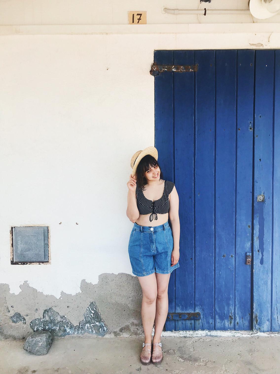 Costa Brava blue door - The cat, you and us