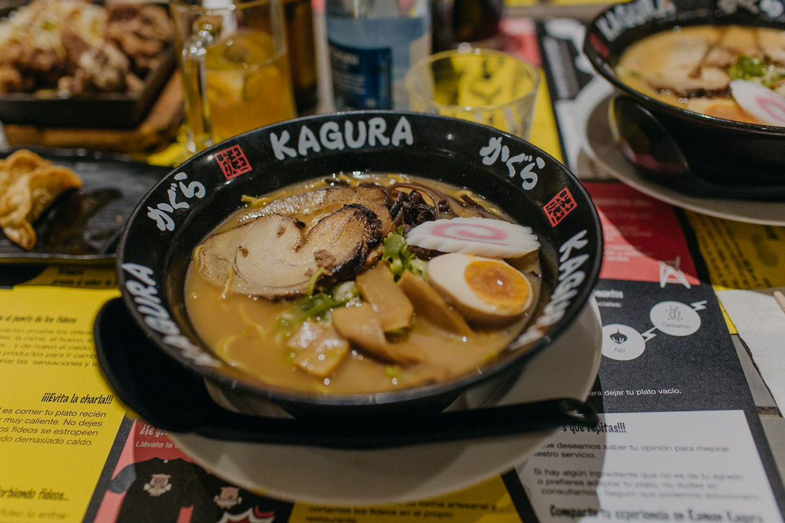 Ramen Kagura Madrid - The cat, you and us