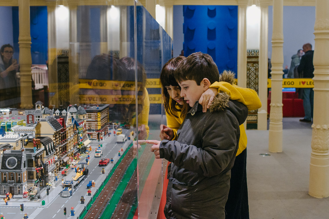 Lego exhibition Madrid - The cat, you and us