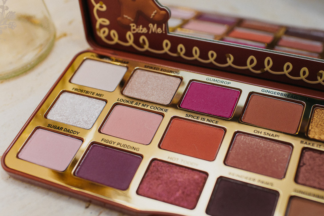 Gingerbread Too Faced eyeshadow palette - The cat, you and us