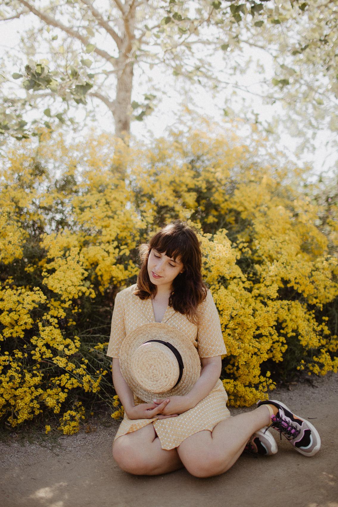 Delta del Llobregat yellow outfit - The cat, you and us
