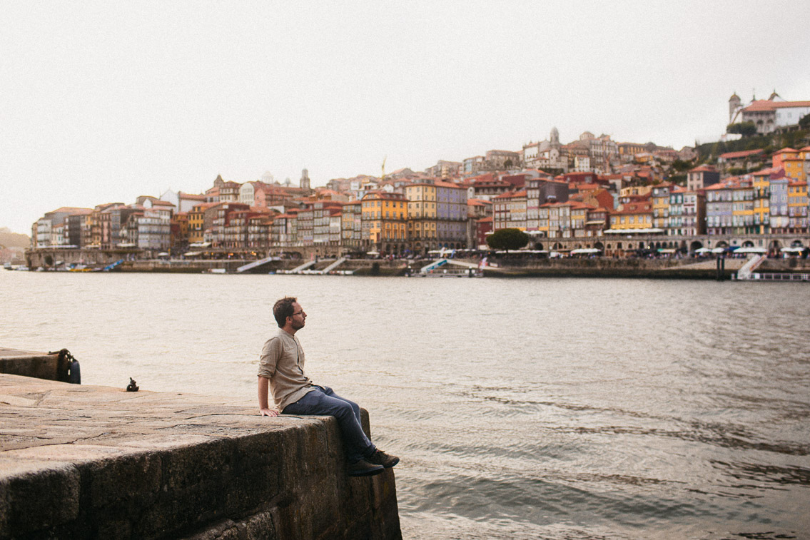 Ribeira Porto - The cat, you and us