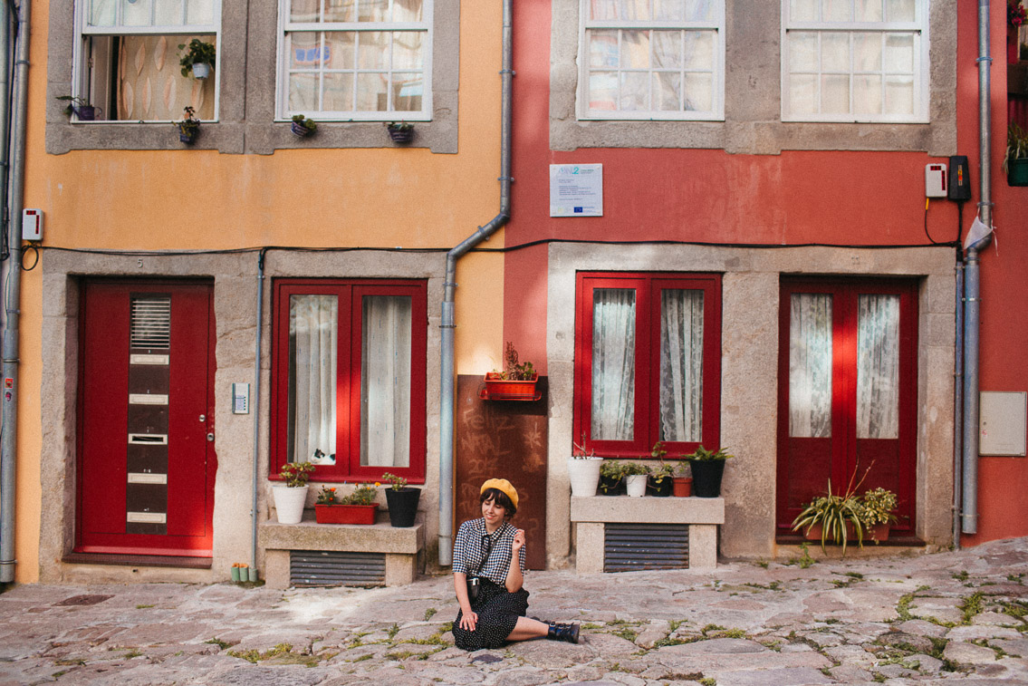 Porto colorful streets - The cat, you and us