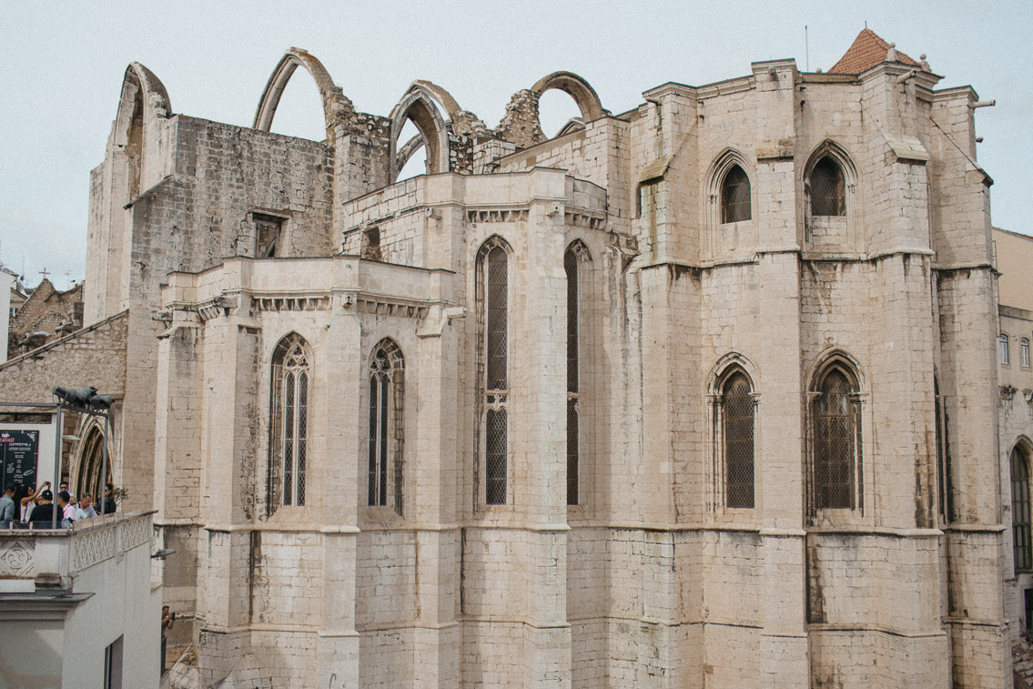 Convento do Carmo Lisboa - The cat, you and us